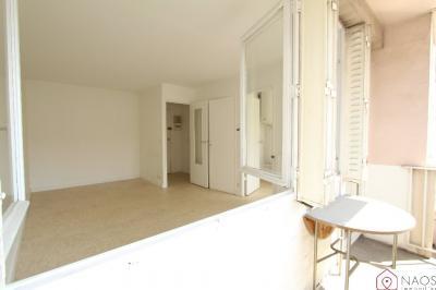 Appartement Paris 13 &bull; <span class='offer-area-number'>27</span> m² environ &bull; <span class='offer-rooms-number'>1</span> pièce