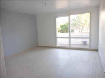 Appartement Marseille 09 &bull; <span class='offer-area-number'>47</span> m² environ &bull; <span class='offer-rooms-number'>2</span> pièces
