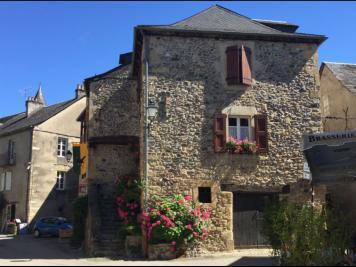 Maison Ste Eulalie d Olt &bull; <span class='offer-area-number'>65</span> m² environ &bull; <span class='offer-rooms-number'>3</span> pièces