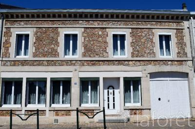 Maison Givry en Argonne &bull; <span class='offer-area-number'>218</span> m² environ &bull; <span class='offer-rooms-number'>7</span> pièces