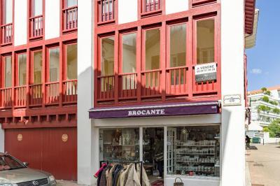 Appartement St Jean de Luz &bull; <span class='offer-area-number'>70</span> m² environ &bull; <span class='offer-rooms-number'>3</span> pièces