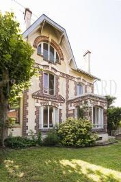 Maison Sceaux &bull; <span class='offer-area-number'>187</span> m² environ &bull; <span class='offer-rooms-number'>8</span> pièces