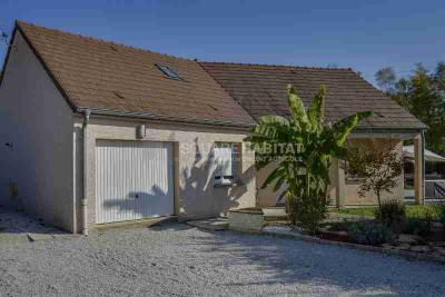 Maison Chilly le Vignoble &bull; <span class='offer-area-number'>122</span> m² environ &bull; <span class='offer-rooms-number'>6</span> pièces