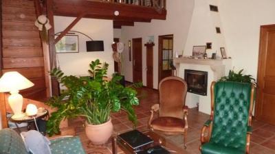 Maison Seurre &bull; <span class='offer-area-number'>169</span> m² environ &bull; <span class='offer-rooms-number'>6</span> pièces