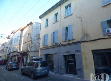 Commerce Carpentras &bull; <span class='offer-area-number'>118</span> m² environ &bull; <span class='offer-rooms-number'>5</span> pièces