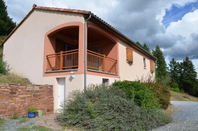 Maison St Sernin sur Rance &bull; <span class='offer-area-number'>100</span> m² environ &bull; <span class='offer-rooms-number'>4</span> pièces