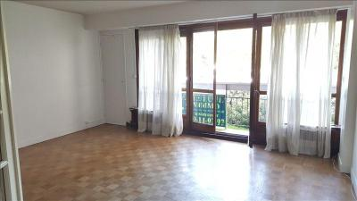 Appartement Villebon sur Yvette &bull; <span class='offer-area-number'>61</span> m² environ &bull; <span class='offer-rooms-number'>2</span> pièces
