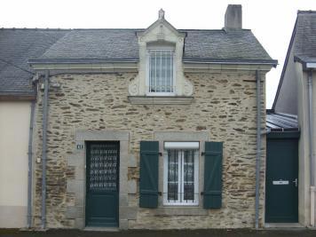 Maison Cosse le Vivien &bull; <span class='offer-area-number'>90</span> m² environ &bull; <span class='offer-rooms-number'>6</span> pièces