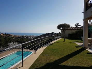 Appartement Cagnes sur Mer &bull; <span class='offer-area-number'>110</span> m² environ &bull; <span class='offer-rooms-number'>4</span> pièces