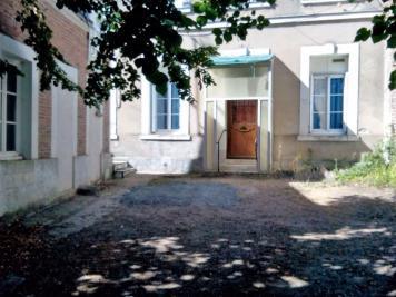 Maison Chateau Renault &bull; <span class='offer-area-number'>47</span> m² environ &bull; <span class='offer-rooms-number'>2</span> pièces