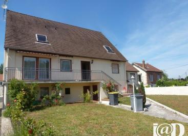 Maison Verneuil en Halatte &bull; <span class='offer-area-number'>200</span> m² environ &bull; <span class='offer-rooms-number'>8</span> pièces