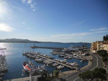 Appartement Sanary sur Mer &bull; <span class='offer-area-number'>75</span> m² environ &bull; <span class='offer-rooms-number'>3</span> pièces