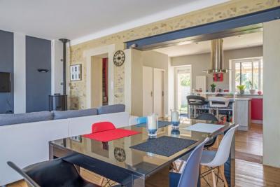 Maison Aubigny &bull; <span class='offer-area-number'>125</span> m² environ &bull; <span class='offer-rooms-number'>4</span> pièces