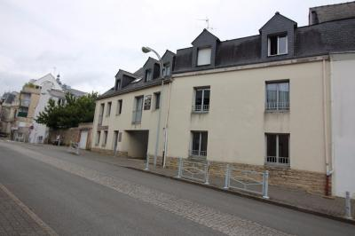 Appartement Vannes &bull; <span class='offer-area-number'>250</span> m² environ &bull; <span class='offer-rooms-number'>3</span> pièces