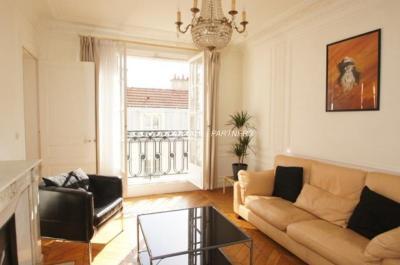 Appartement Paris 04 &bull; <span class='offer-area-number'>100</span> m² environ &bull; <span class='offer-rooms-number'>4</span> pièces
