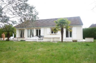 Maison Lesigny &bull; <span class='offer-area-number'>135</span> m² environ &bull; <span class='offer-rooms-number'>6</span> pièces