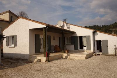 Maison Lalevade d Ardeche &bull; <span class='offer-area-number'>135</span> m² environ &bull; <span class='offer-rooms-number'>8</span> pièces