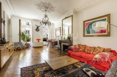Appartement Paris 09 &bull; <span class='offer-area-number'>108</span> m² environ &bull; <span class='offer-rooms-number'>4</span> pièces