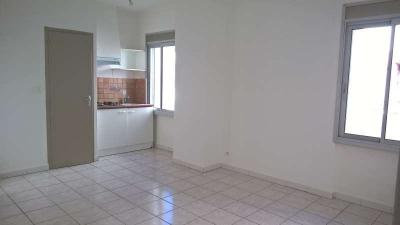 Appartement Pia &bull; <span class='offer-area-number'>34</span> m² environ &bull; <span class='offer-rooms-number'>2</span> pièces