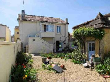 Maison St Bonnet sur Gironde &bull; <span class='offer-area-number'>131</span> m² environ &bull; <span class='offer-rooms-number'>6</span> pièces