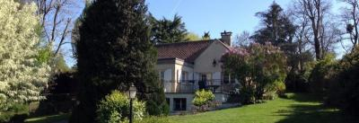 Maison St Germain de la Grange &bull; <span class='offer-area-number'>180</span> m² environ &bull; <span class='offer-rooms-number'>6</span> pièces