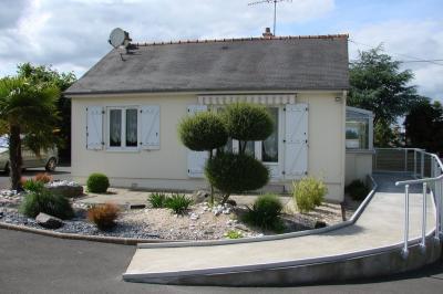 Maison Ploumagoar &bull; <span class='offer-area-number'>65</span> m² environ &bull; <span class='offer-rooms-number'>4</span> pièces