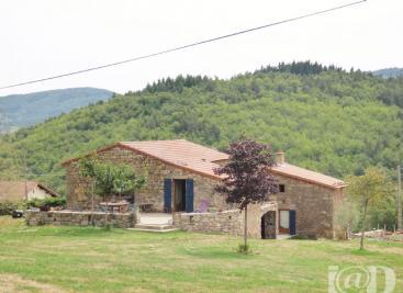 Maison Preaux &bull; <span class='offer-area-number'>160</span> m² environ &bull; <span class='offer-rooms-number'>5</span> pièces