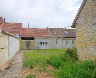 Maison Estrees St Denis &bull; <span class='offer-area-number'>115</span> m² environ &bull; <span class='offer-rooms-number'>3</span> pièces
