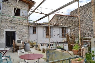 Maison Vals les Bains &bull; <span class='offer-area-number'>200</span> m² environ &bull; <span class='offer-rooms-number'>5</span> pièces