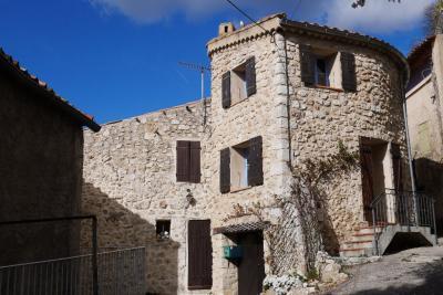 Maison Aiguines &bull; <span class='offer-area-number'>90</span> m² environ &bull; <span class='offer-rooms-number'>4</span> pièces