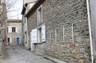 Maison St Julia &bull; <span class='offer-area-number'>180</span> m² environ &bull; <span class='offer-rooms-number'>4</span> pièces