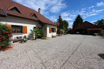 Maison Bletterans &bull; <span class='offer-area-number'>158</span> m² environ &bull; <span class='offer-rooms-number'>7</span> pièces