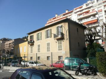 Appartement Nice &bull; <span class='offer-area-number'>42</span> m² environ &bull; <span class='offer-rooms-number'>2</span> pièces