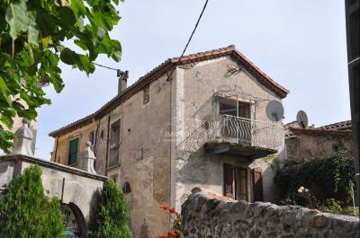 Maison Le Vigan &bull; <span class='offer-area-number'>106</span> m² environ &bull; <span class='offer-rooms-number'>6</span> pièces