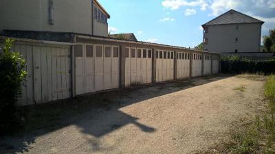 Parking Brive la Gaillarde &bull; <span class='offer-area-number'>12</span> m² environ