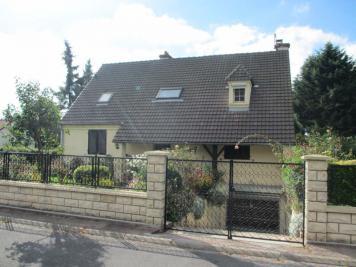 Maison Mareil en France &bull; <span class='offer-area-number'>154</span> m² environ &bull; <span class='offer-rooms-number'>7</span> pièces