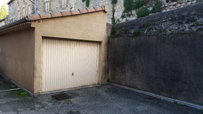 Parking Joyeuse &bull; <span class='offer-area-number'>15</span> m² environ