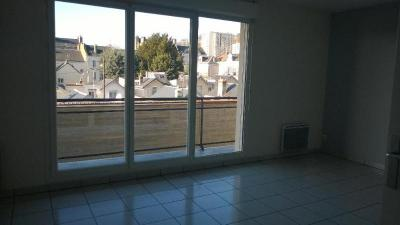Appartement Le Havre &bull; <span class='offer-area-number'>82</span> m² environ &bull; <span class='offer-rooms-number'>4</span> pièces