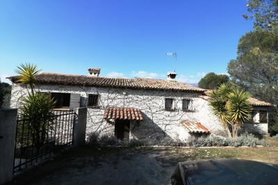 Maison Colomars &bull; <span class='offer-area-number'>180</span> m² environ &bull; <span class='offer-rooms-number'>6</span> pièces