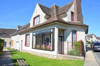 Maison Le Chatelet en Brie &bull; <span class='offer-area-number'>91</span> m² environ &bull; <span class='offer-rooms-number'>5</span> pièces