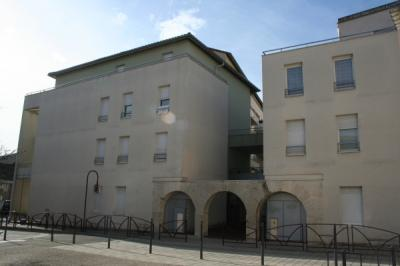 Appartement Bourgoin Jallieu &bull; <span class='offer-area-number'>41</span> m² environ &bull; <span class='offer-rooms-number'>2</span> pièces
