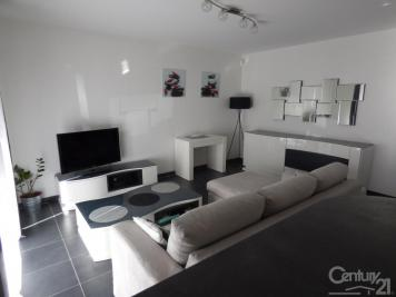 Appartement La Ciotat &bull; <span class='offer-area-number'>64</span> m² environ &bull; <span class='offer-rooms-number'>3</span> pièces