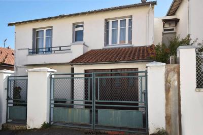 Maison Beaumont &bull; <span class='offer-area-number'>111</span> m² environ &bull; <span class='offer-rooms-number'>5</span> pièces