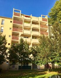 Appartement Chalons en Champagne &bull; <span class='offer-area-number'>81</span> m² environ &bull; <span class='offer-rooms-number'>5</span> pièces