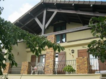 Maison Villeparisis &bull; <span class='offer-area-number'>140</span> m² environ