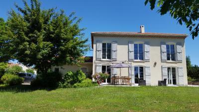 Maison Ste Sigolene &bull; <span class='offer-area-number'>130</span> m² environ &bull; <span class='offer-rooms-number'>6</span> pièces
