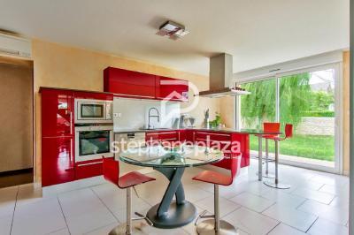 Maison Crimolois &bull; <span class='offer-area-number'>260</span> m² environ &bull; <span class='offer-rooms-number'>7</span> pièces