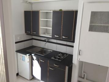 Appartement Marseille 06 &bull; <span class='offer-area-number'>25</span> m² environ