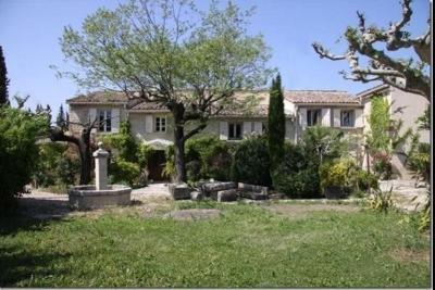 Maison Monteux &bull; <span class='offer-area-number'>250</span> m² environ &bull; <span class='offer-rooms-number'>10</span> pièces