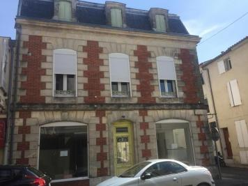 Immeuble Miramont de Guyenne &bull; <span class='offer-area-number'>137</span> m² environ